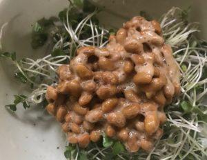 ブロッコリースプラウトと納豆を合えてみた